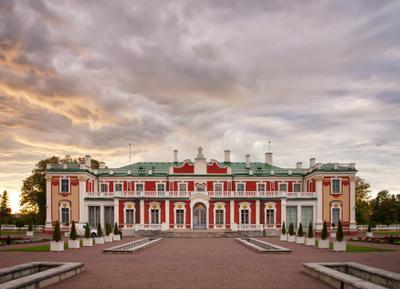 Екатерининский дворец в Кадриорге дворец Кадриорг Таллин