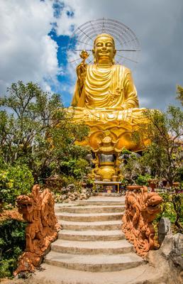 golden buddha buddha vietnam dalat