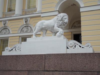 львы у Русского музея
