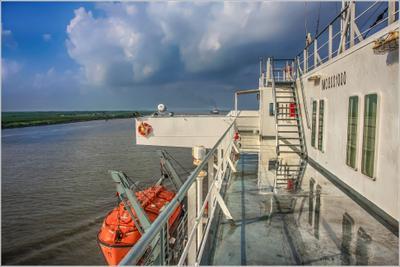 За грузом в Новый Орлеан fitter36 судно море флот работа
