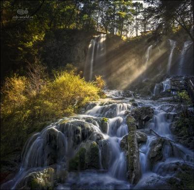 Утренний свет... Китай Цзючжайгоу свет пейзаж водопад утро