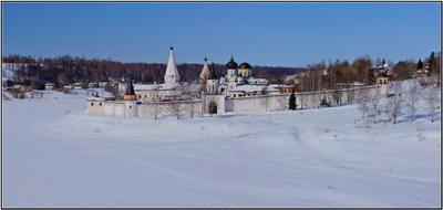 Старица. Март. Зима. Старица Свято-Успенский монастырь март
