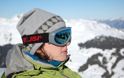 под большим небом горы, снег, отражение