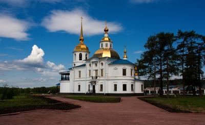 Деревенская церквушка