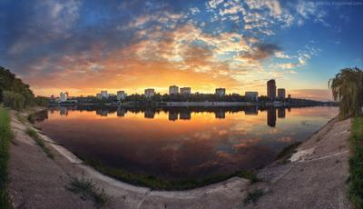 Последние мирные дни в Донецке Украина Донецк Донбасс пейзаж закат отражения облака река вода