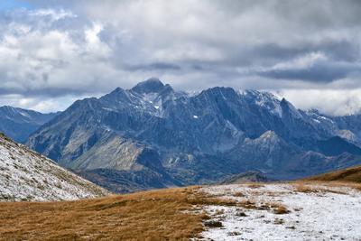 по дороге к долине семи озер (Абхазия) Горы Абхазия пейзаж природа осень