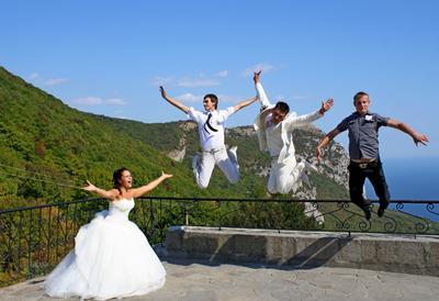 *** свадьба прыжок