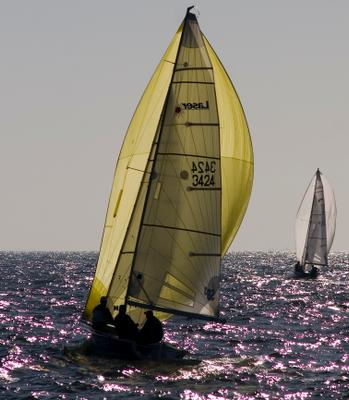 Солнечный бакштаг Солнце, море, яхта