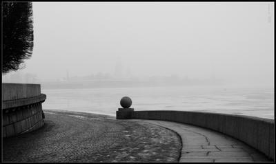 Стрелка Нева Санкт-Петербург весна туман
