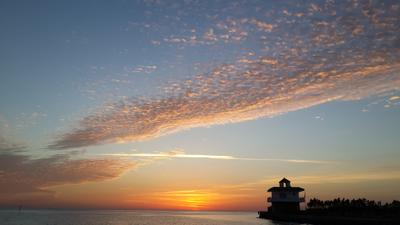 Красное море. За минуту до восхода восход солнца море