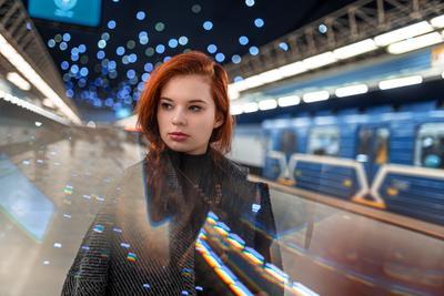 Leia Девушка портрет рыжие метро город ночь