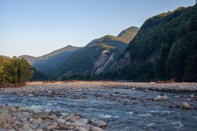 Река Аше близ аула Калеж утром (2) река Аше горы Калеж утро Кавказ