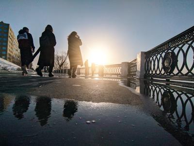 Солнечный удар город улица самара весна закат