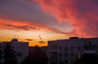 Закат над домом