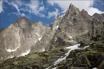 Молчаливые великаны Франция Альпы горы небо трава снег