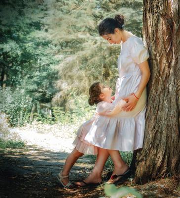 Прогулка с мамой семья мама лес