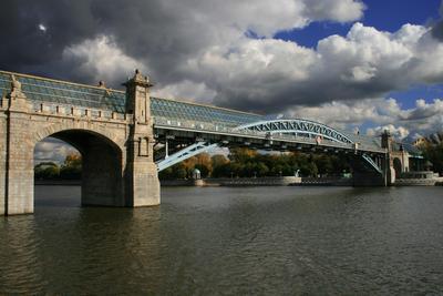 Москва-река. Андреевский мост. город, москва, мост, набережная, небо, октябрь, осень, пейзаж, река, тучи