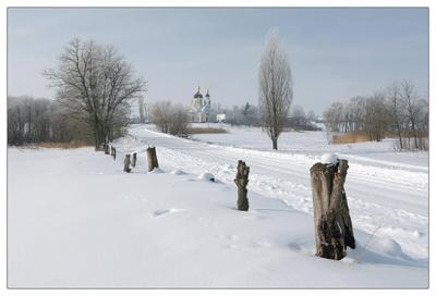 Морозным утром с видом на церковь зима утро село дорога церковь