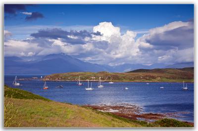 Magic Scotland Scotland Isle of Skye Шотландия остров Скай озеро лодка облака небо вода