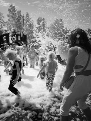 день нептуна с Мойдодырным уклоном праздник дети пена чб