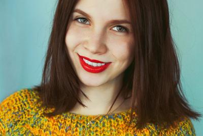 Динара девушка улыбка тепло звезда модель актриса приятно нежно зима лето