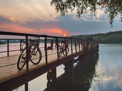 Пирс Рассвет пирс рыбалка велосипед