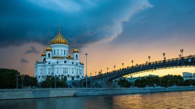 Мгновение перед грозой Храм река Москва гроза вечер храм Христа спасителя мост закат архитектура