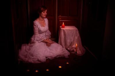 *** жена невеста свадьба платье свечи темнота