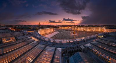 Вечерний Петербург. Панорама Дворцовой площади.
