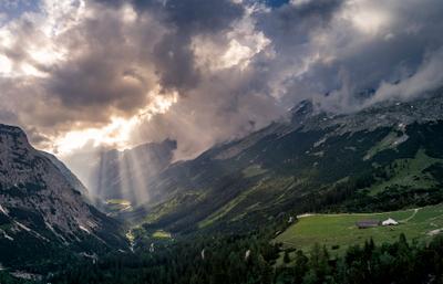 После грозы Карвендель Австрия гроза солнце облака небо горы Альпы солнечные лучи