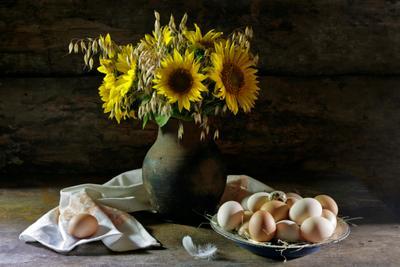 деревенский натюрморт Деревенский деревянный простой быт крынка подсолнухи яйца