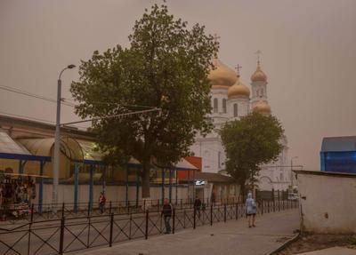 ***Ростовская песчаная буря. Кафедральный собор и рынок пыльная буря ростов на дону кафедральный собор рынок