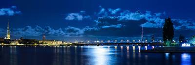 Лунная ночь в Риге.