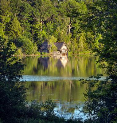Избушка Избушка озеро лес отражение свет