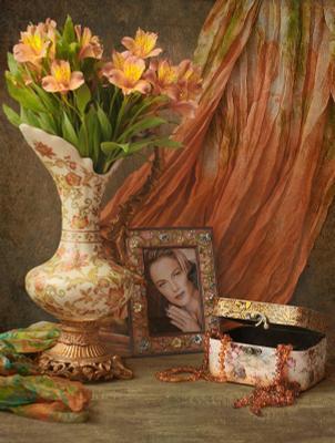 С портретом Цветы ваза фото бусы