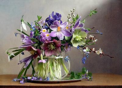 Весна цветы неспешно собирает