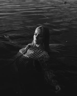 Омут Девушка модель фотопортрет озеро фотосессия фэшн