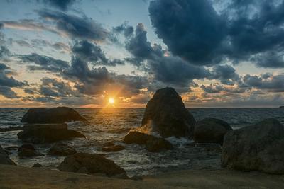 Закат в Ласпи Прибой море пейзаж вечер закат