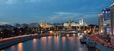 Вид на Кремль с Патриаршего моста Кремль, лето, вечер, панорама, 2012