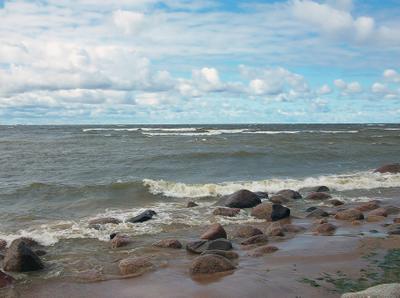 Волнительное настроение Финского залива ... Финский залив волны небо облака камни