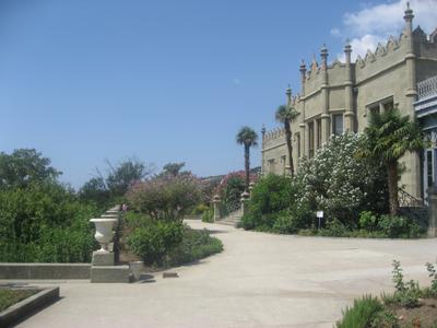 *** Ялта сад замок