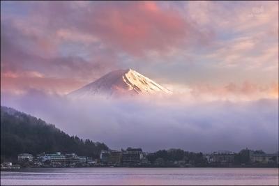 Священная Фудзияма Япония Фудзияма горы закат