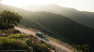 Привал / Halt on the way Europe Spain car morning mountain nature ray road transport Европа Испания автомобиль гора дорога луч природа солнечно транспорт утро шоссе