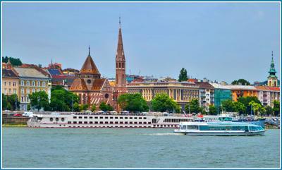 И плывут ко мне из детства пароходы, пароходы. Пароходы белоснежные плывут, как облака... Венгрия Будапешт Budapest теплоход река Дунай Danube Duna