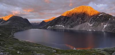 Полночь в горах Норвегии