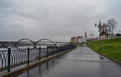 Октябрь, моросит... (#2) город Рыбинск набережная река Волга осень дождь моросит