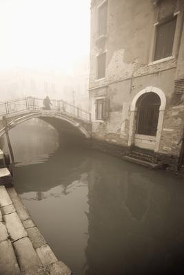 Вот такой я увидел Венецию. Город пока спит.