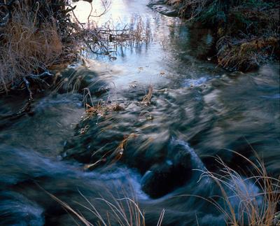 Ледяные бусы Хибины ручей предзимье
