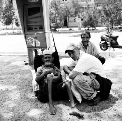 нищий на улице (Душанбе) роллей
