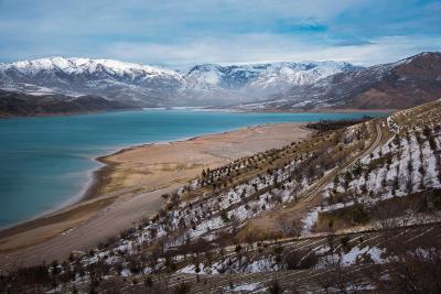 Зимине горы чарвак горы водохранилище зима